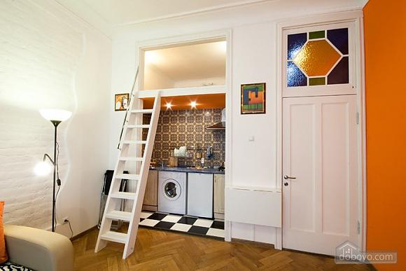 Designer apartment in the center, Studio (92104), 004