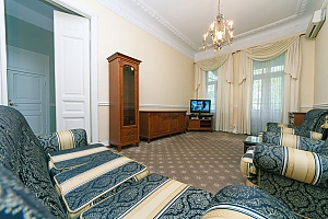 2-bedroom apartment with a fireplace near the Arena City, Two Bedroom, 004