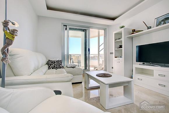 Пентхаус з двома спальнями з видом на море, 3-кімнатна (33590), 003