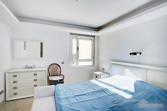 Пентхаус з двома спальнями з видом на море, 3-кімнатна (33590), 008