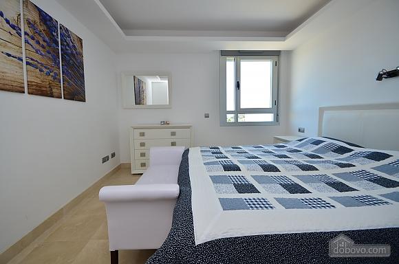 Пентхаус з двома спальнями з видом на море, 3-кімнатна (33590), 010