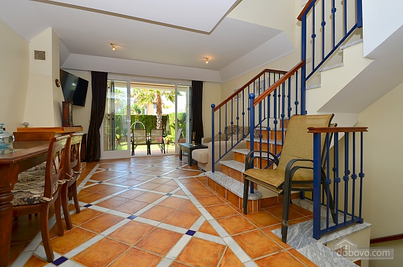 Beachfront traditional style townhouse with 3 bedrooms, Trois chambres (99678), 001