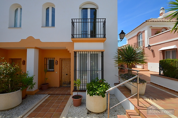 Beachfront traditional style townhouse with 3 bedrooms, Trois chambres (99678), 028