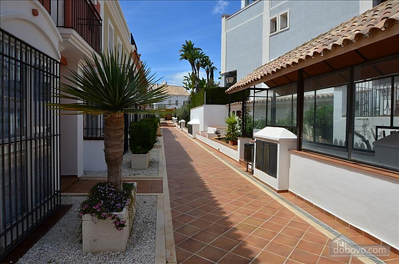 Beachfront traditional style townhouse with 3 bedrooms, Trois chambres (99678), 033