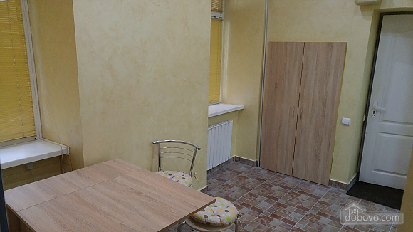 Apartment in the historical center, Studio (64085), 007