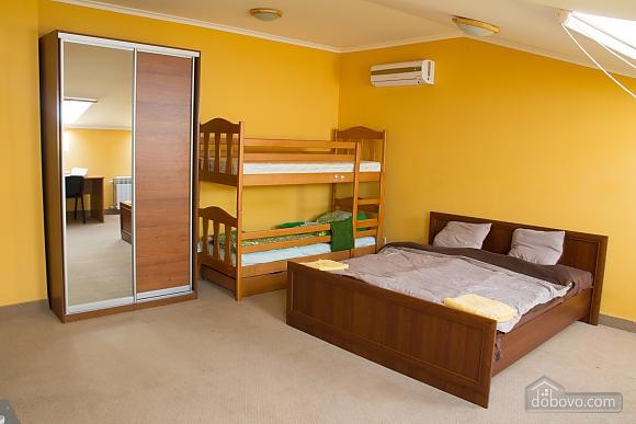 Квартира в центрі міста, 2-кімнатна (98714), 001