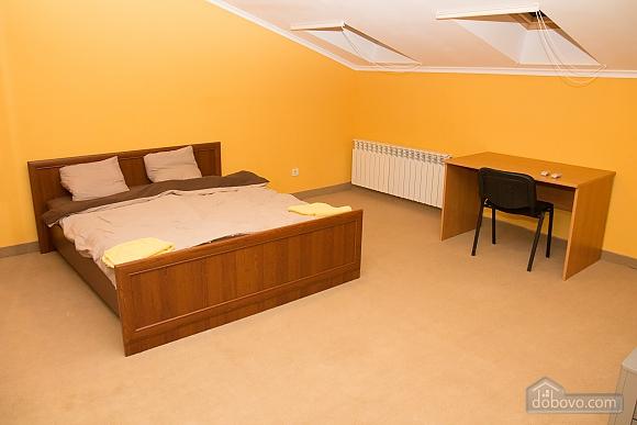 Квартира в центрі міста, 2-кімнатна (98714), 002