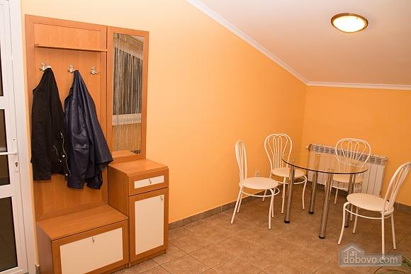 Квартира в центрі міста, 2-кімнатна (98714), 008