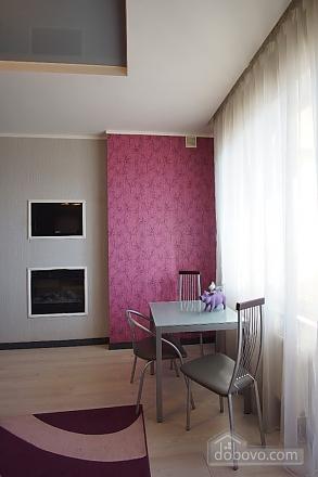 Persefona, Un chambre (94049), 005