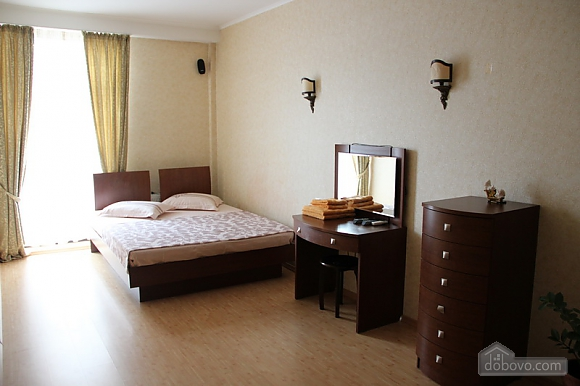 Apartment in Odessa, One Bedroom (65219), 001