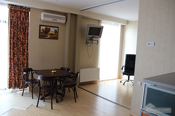Apartment in Odessa, One Bedroom (65219), 004