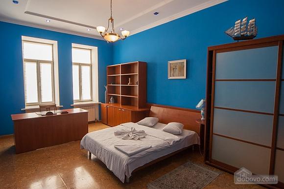 Квартира рядом с Майданом, 2х-комнатная (52735), 013