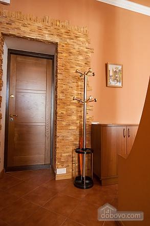 Квартира рядом с Майданом, 2х-комнатная (52735), 015