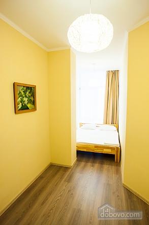 Апартаменты на берегу Чорного моря, 3-кімнатна (15056), 009