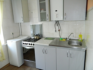 Affordable apartment near the city center, Monolocale, 003