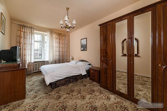 Beautiful one bedroom apartment on Khreschatyk opposite Maidan, Una Camera (34739), 007