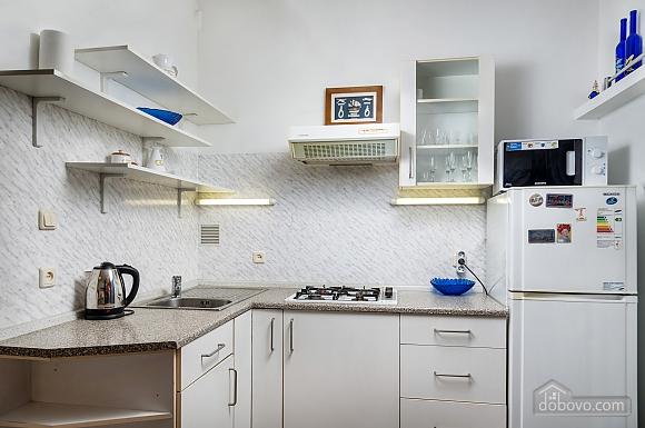 Beautiful one bedroom apartment on Khreschatyk opposite Maidan, Una Camera (34739), 012