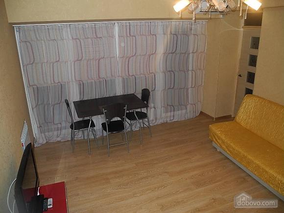 Квартира з панорамними вікнами, 2-кімнатна (13710), 003