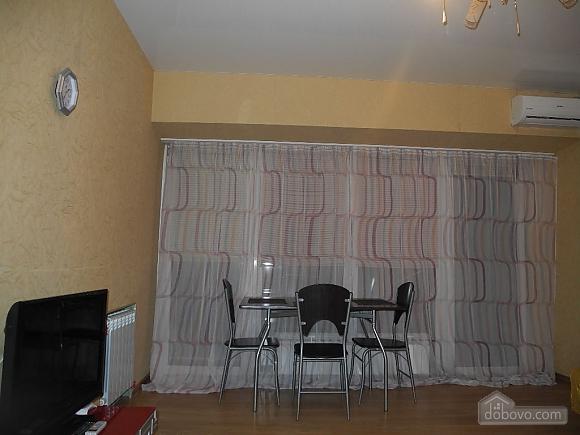 Квартира з панорамними вікнами, 2-кімнатна (13710), 002