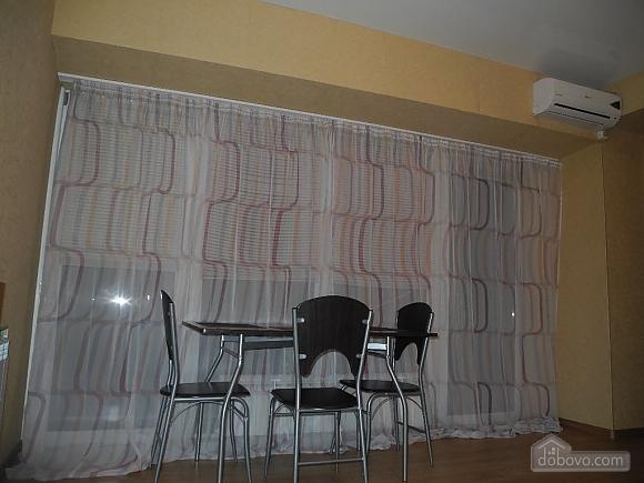 Квартира з панорамними вікнами, 2-кімнатна (13710), 004