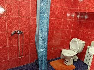 Комфортна квартира біля залізничного вокзалу, 2-кімнатна, 011