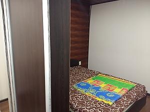 Комфортна квартира біля залізничного вокзалу, 2-кімнатна, 004