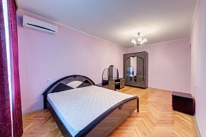 Double room in mini-hotel at Pecherska metro station, Studio, 002