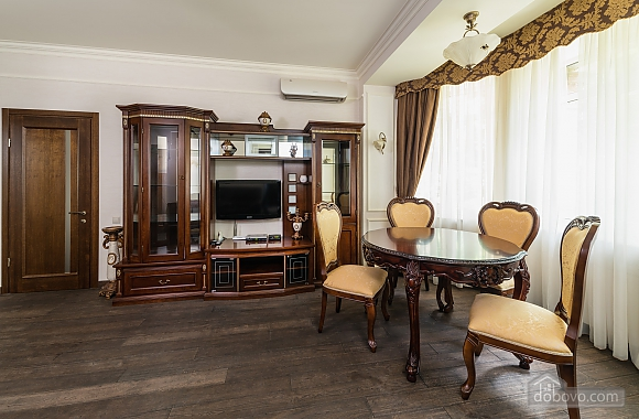 Cozy one bedroom apartment with handmade furniture in the center of Kiev, Una Camera (52708), 008