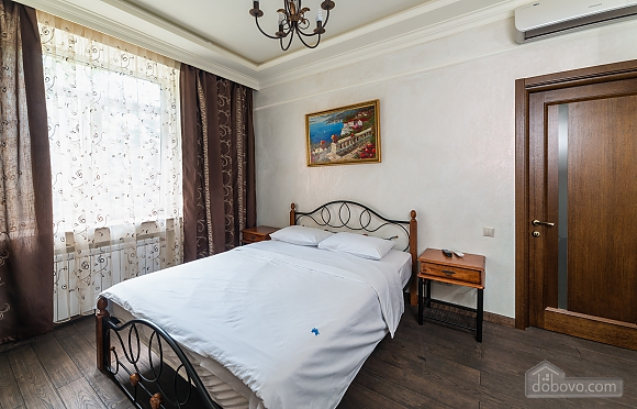 Cozy one bedroom apartment with handmade furniture in the center of Kiev, Una Camera (52708), 006