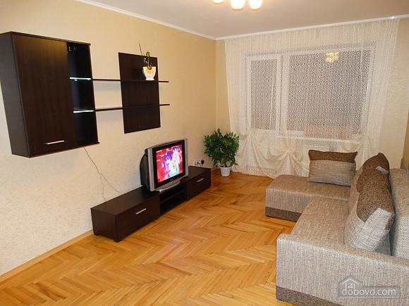 Современная большая квартира рядом с метро Дарница, 3х-комнатная (70981), 001