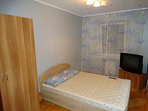 Modern apartment close to the Darnytsia metro station , Due Camere, 004