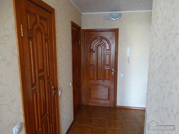 Современная большая квартира рядом с метро Дарница, 3х-комнатная (70981), 008