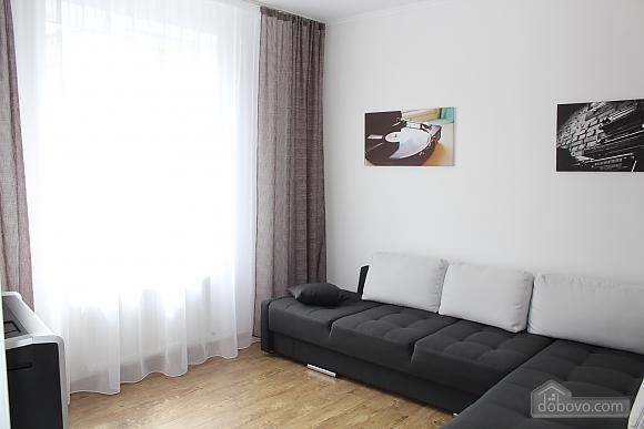 Квартира люкс в центре Винницы, 2х-комнатная (19656), 002