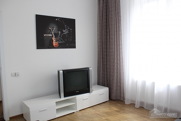 Luxury apartment in the center of Vinnitsa, One Bedroom (19656), 003