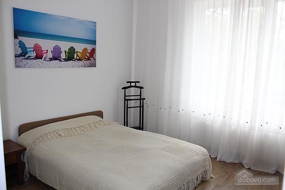 Квартира люкс в центре Винницы, 2х-комнатная (19656), 004