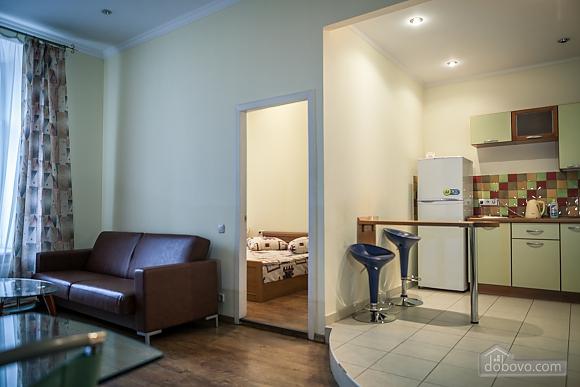Апартаменты возле Оперного театра, 2х-комнатная (85683), 003