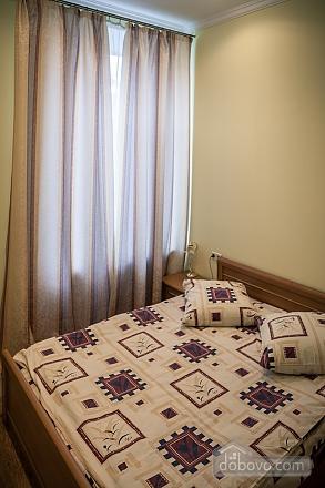 Апартаменты возле Оперного театра, 2х-комнатная (85683), 004