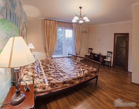 House in Sovinyon 1, Tre Camere (44065), 003