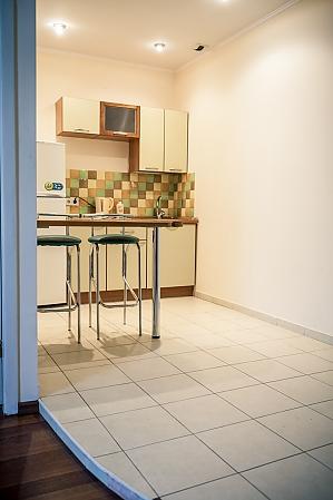 Апартаменты возле Оперного театра, 2х-комнатная, 003