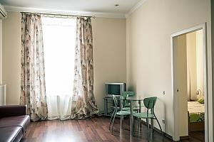 Апартаменты возле Оперного театра, 2х-комнатная, 004