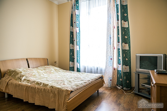 Апартаменты возле Оперного театра, 1-комнатная (84436), 002