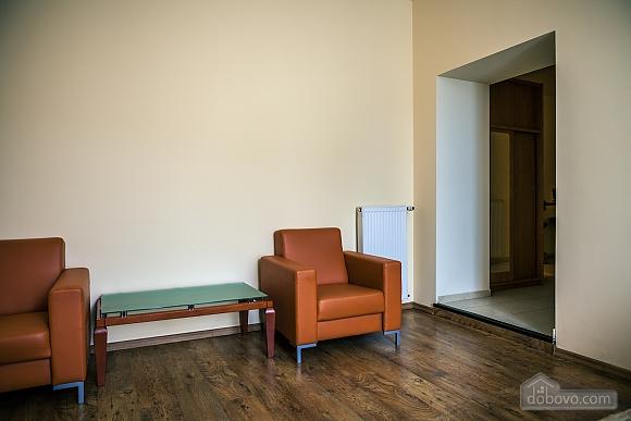 Апартаменты возле Оперного театра, 1-комнатная (84436), 004