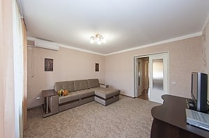 Cozy and clean apartment in the city center, Un chambre, 013