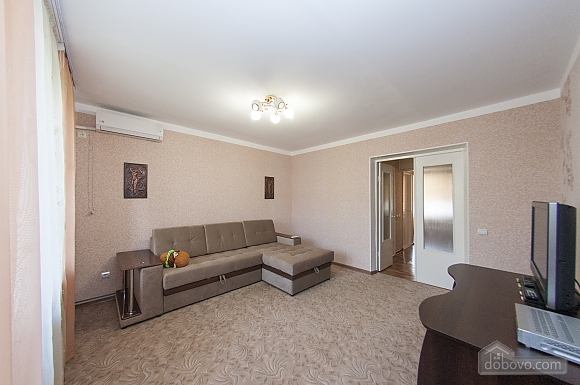 Cozy and clean apartment in the city center, Un chambre (61116), 013
