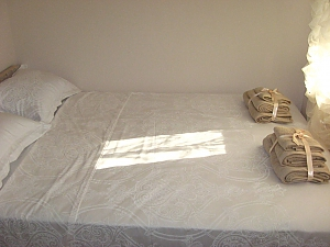 Room near the sea, Monolocale, 002