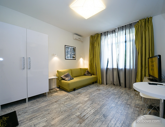 Stylish quiet one bedroom apartment with sofa bed, One Bedroom (83598), 004