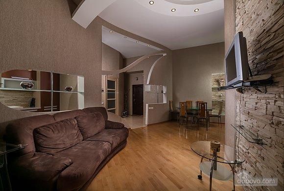 Spacious European apartment with Jacuzzi in two steps from Khreschatyk, Un chambre (98962), 002