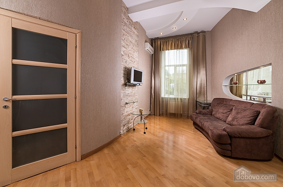 Spacious European apartment with Jacuzzi in two steps from Khreschatyk, Un chambre (98962), 005