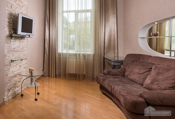 Spacious European apartment with Jacuzzi in two steps from Khreschatyk, Un chambre (98962), 006