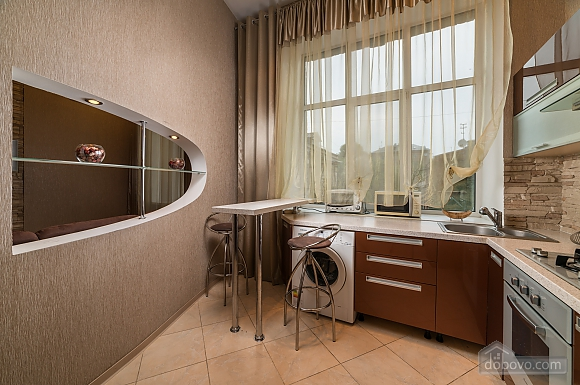 Spacious European apartment with Jacuzzi in two steps from Khreschatyk, Un chambre (98962), 010